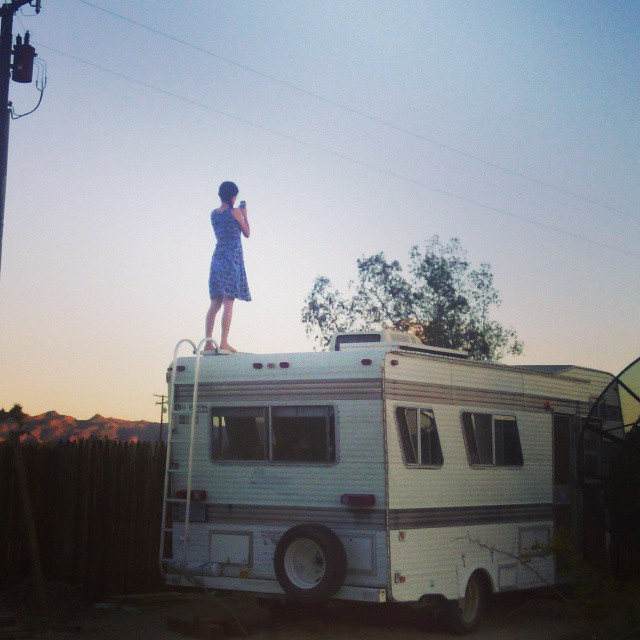 Trailer homesteading in the Mojave / Boing Boing