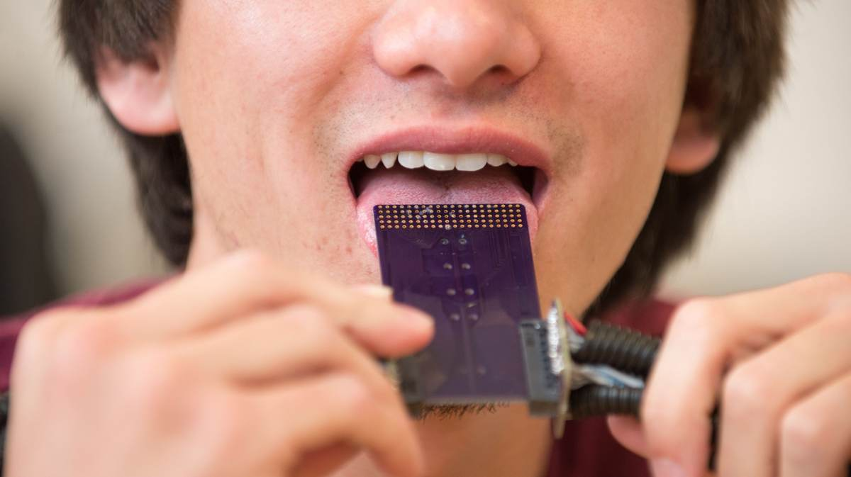 Words in the mouth: device lets you hear with your tongue