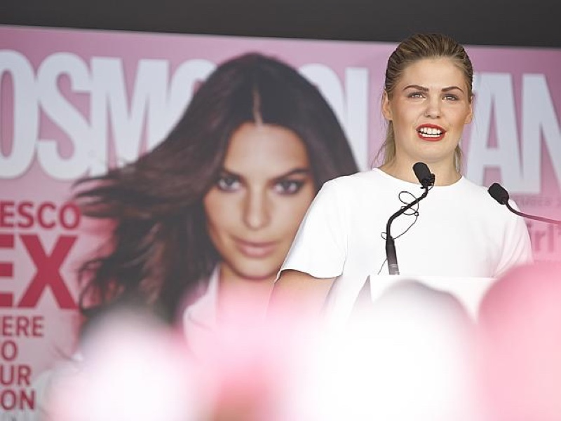 Belle Gibson won Cosmopolitan Magazine's Fun Fearless Female award for social media. Source: News Corp Australia