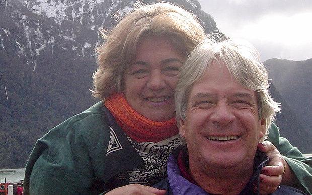Woman shot dead by drug gang after following waze app 39 s for Xeni jardin husband
