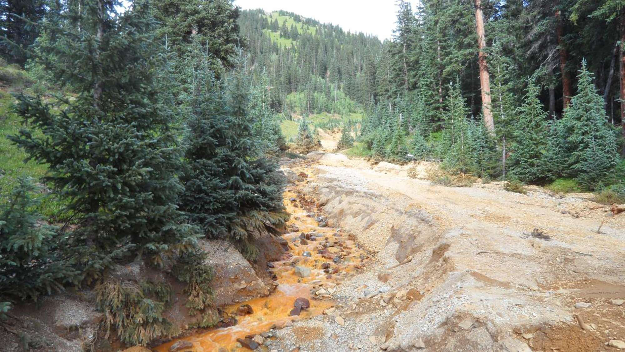 Spill of toxic wastewater from a mine in Colorado, August 10, 2015. (Reuters)