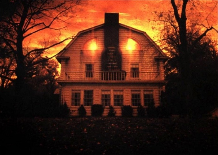 Amityville horror house for sale again boing boing for The amityville house for sale