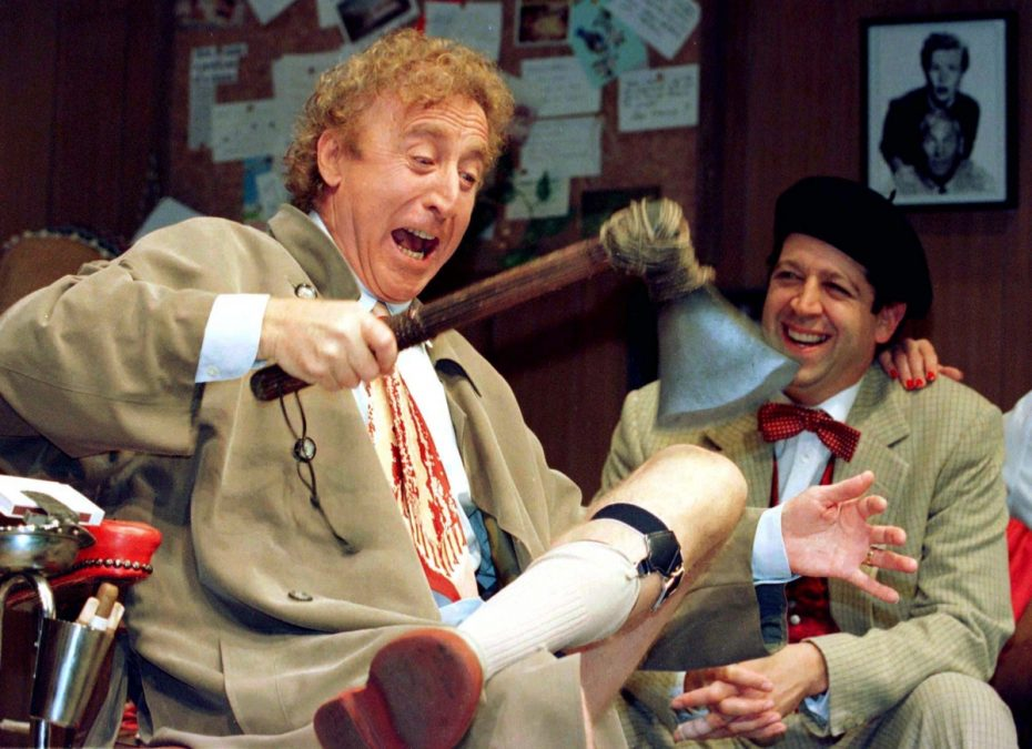 Gene Wilder (L) performs alongside compatriot Rolf Saxon, during the rehearsal of a scene from Neil Simon's 'Laughter on the 23rd Floor', in New York, October 2, 1996. . REUTERS/Shawn Baldwin