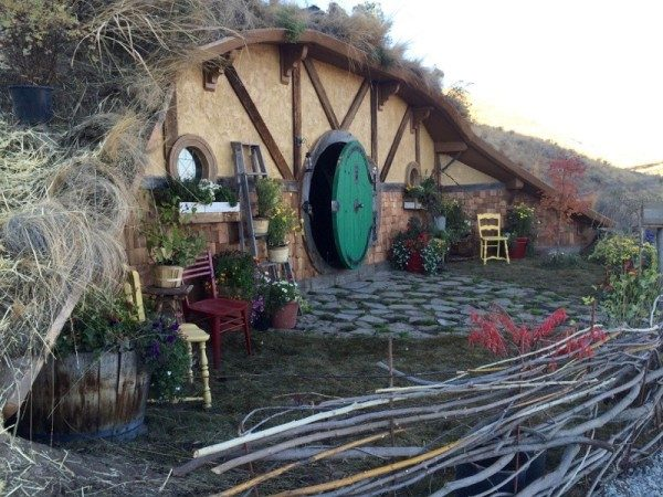 Hobbit House Above Washington Lake Now Available On Airbnb