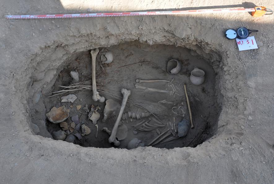 01_pot_burial-ngsversion-14756