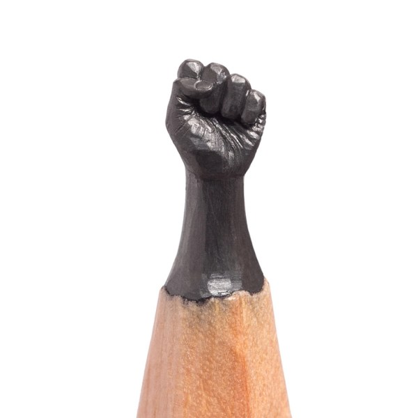 Remarkably detailed tiny sculptures on the tips of pencils boing boing