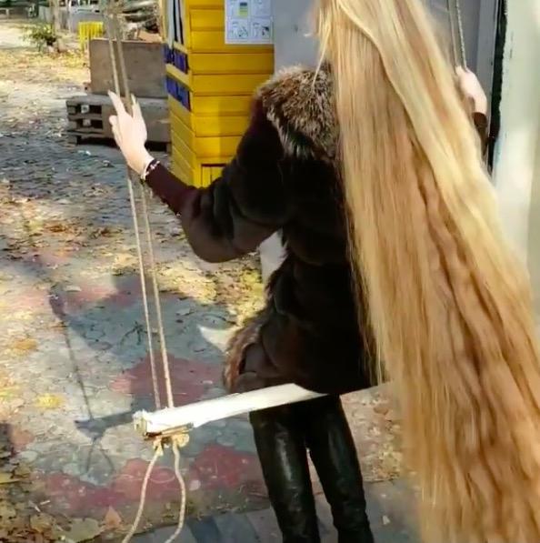 woman hasn't haircut