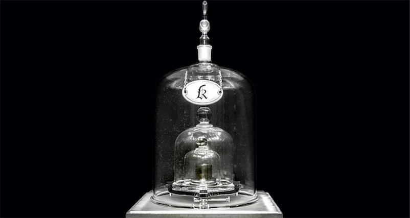 The weight of a kilogram changed overnight; the length of a second may be next