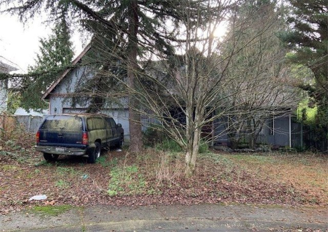 Bidding war for Seattle home that was too filthy and hazardous for anyone to even tour