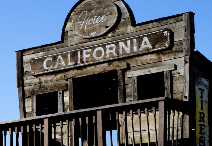 California governor issues order allowing state to commandeer hotels for coronavirus patients