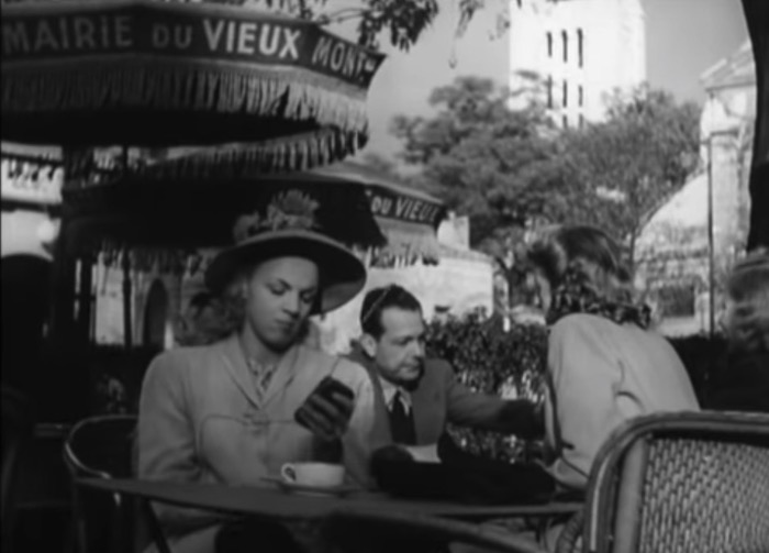 1947 film about the future shows handheld TV users bumping into each other