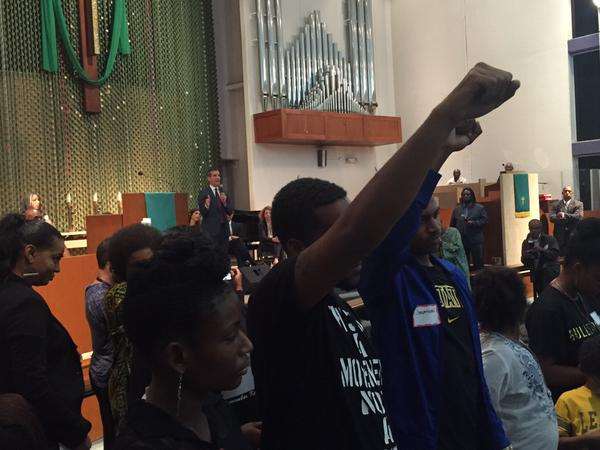 Black Lives Matter disrupts Garcetti (Mark-Anthony Johnson / @FlyEgret / Twitter)