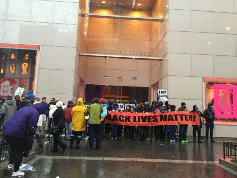 Black Lives Matter Blocks Victoria's Secret (Lee Stranahan / Breitbart News)