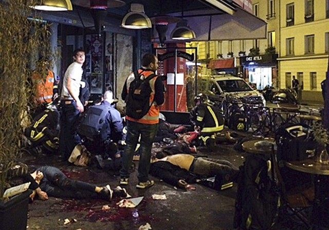 AP Photo: Carnage Outside Paris Restaurant After Attacks
