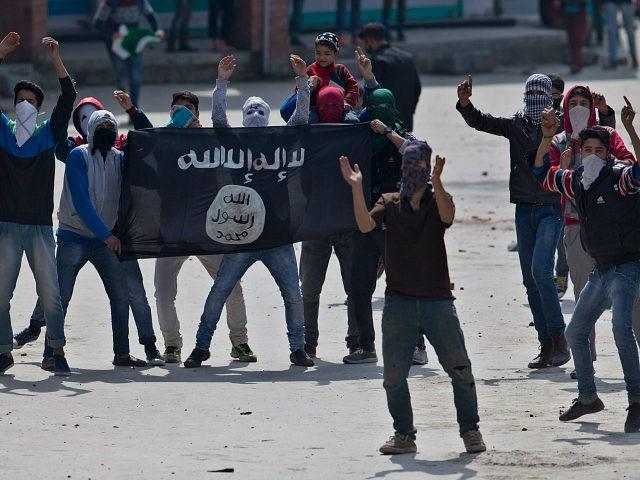 https://i1.wp.com/media.breitbart.com/media/2016/08/islamic-state-supporters-street-ap-images-640x480.jpg