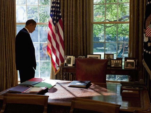 Obama silhouette Oval Office (Pete Souza / White House / Getty)