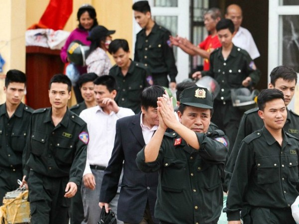 Vietnamese Villagers Kidnap Police and Officials to ...