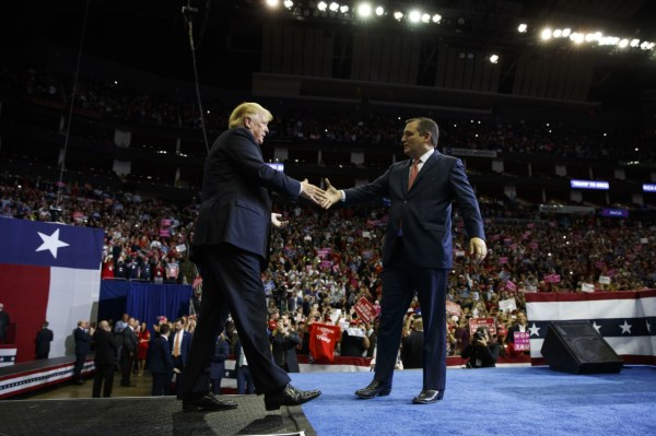 Donald Trump Brings Back the 'Lovefest' with Ted Cruz in ...