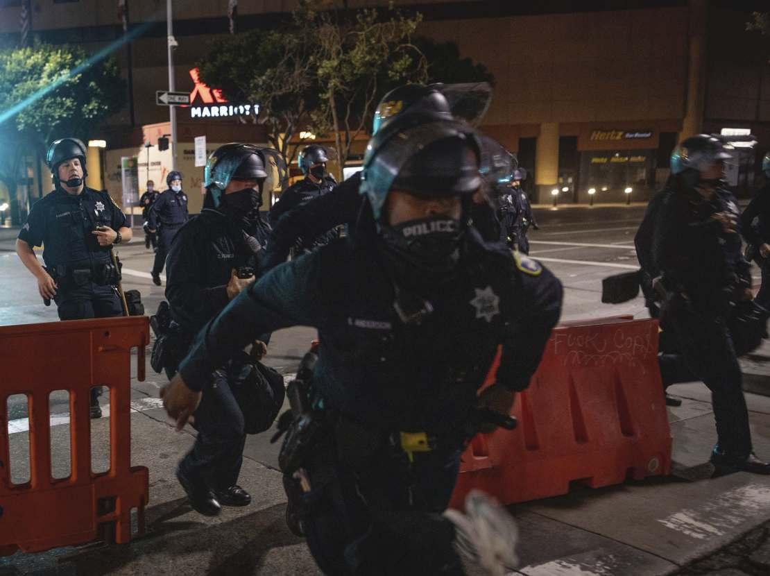 Oakland police (Christian Monterrosa / Associated Press)