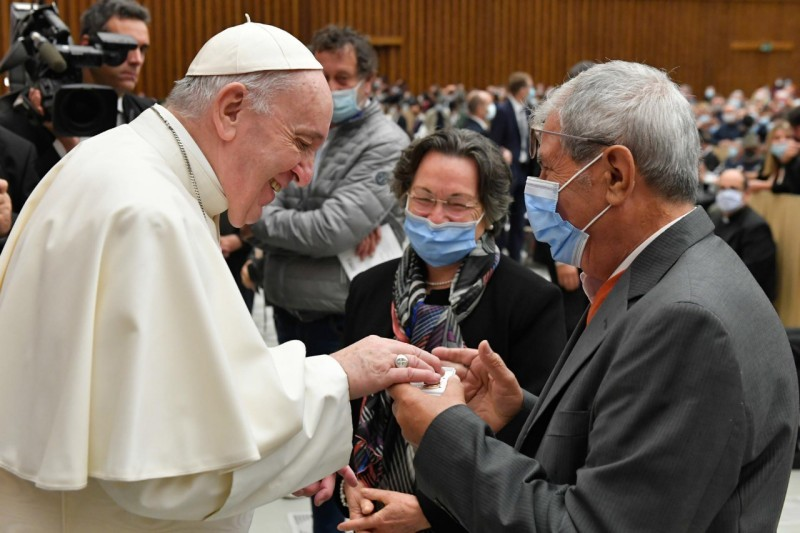 Pope Francis greets pilgrims Wednesday