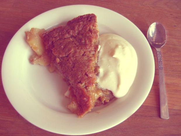 knäckig äppelpaj med vaniljsås