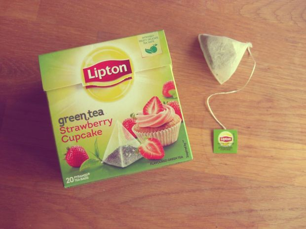 Lipton Green Tea - Strawberry Cupcake