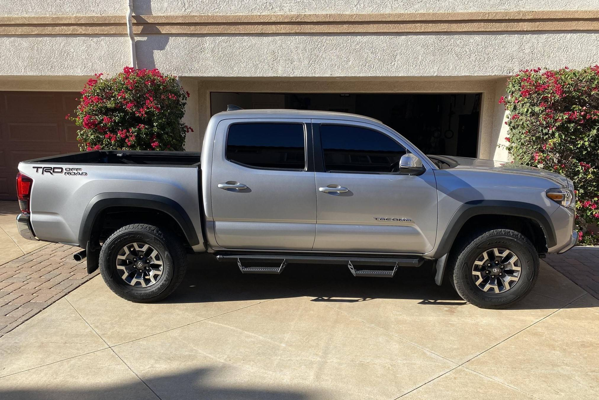 2018 toyota tacoma trd off road auction