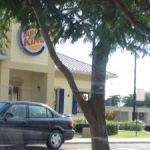 Fast-food workers robbed at gunpoint