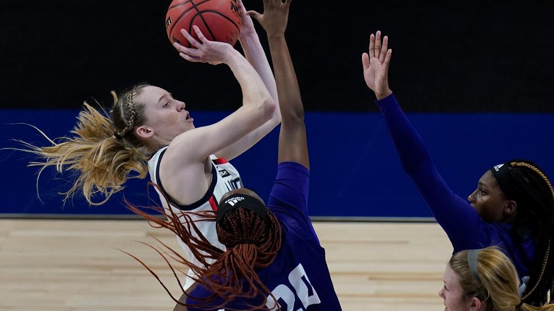 Freshmen show no signs of jitters in women's NCAA Tournament