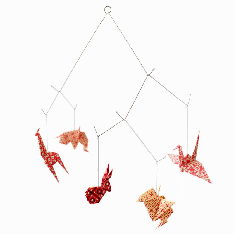 Mobile animaux origami rouge - Varèse sur DesignfromParis.com
