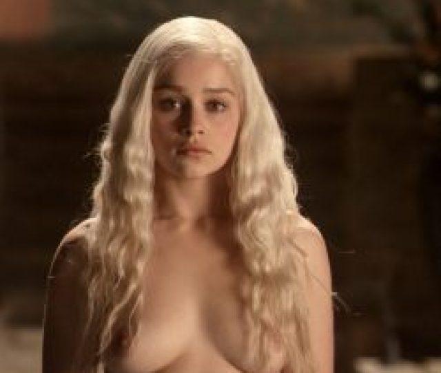 Emilia Clarke Celeb Masta 23