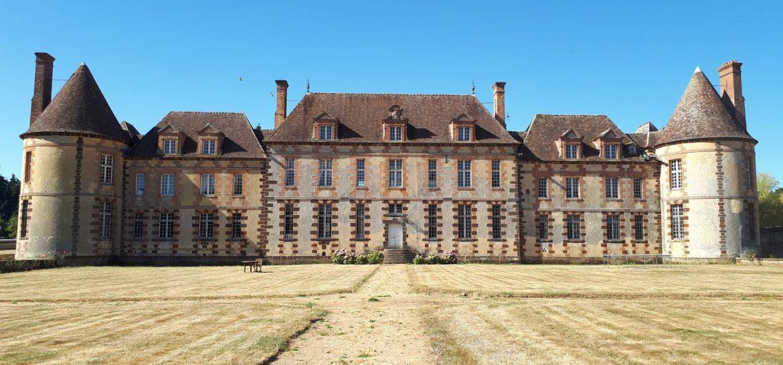 permaculture au château de la Rivière façade