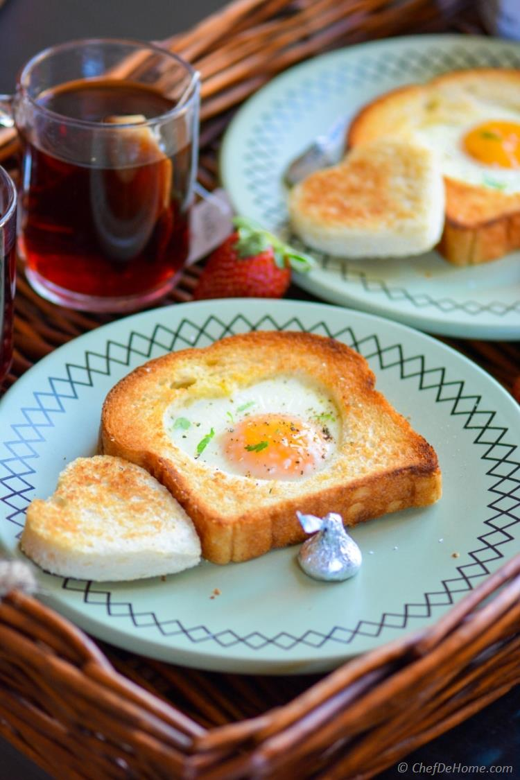 Sunny Side up Egg-Heart Toasts For Valentine's Day Breakfast