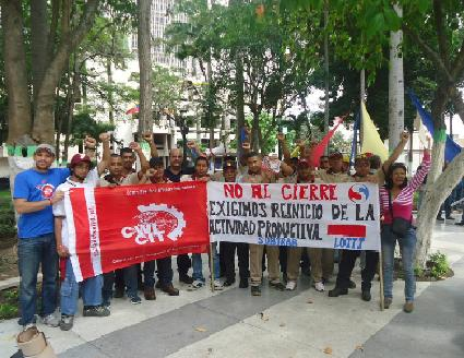 Members of Socialismo Revolucionario, alongside workers from the industrial heartland of Lara, in struggle against the corporate offensive taking place in the country