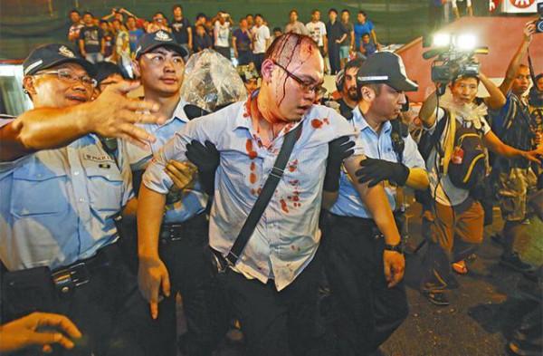 旺角佔領人士受傷,反被拘捕