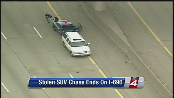 High-speed police chase ends on EB I-696 with guns drawn
