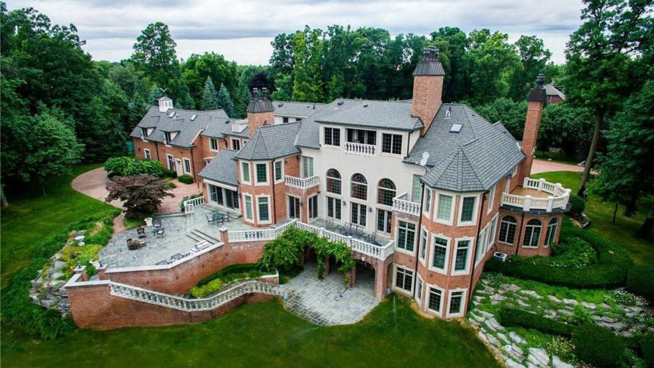 Take A Look Inside Northville Estate Listed For 125 Million