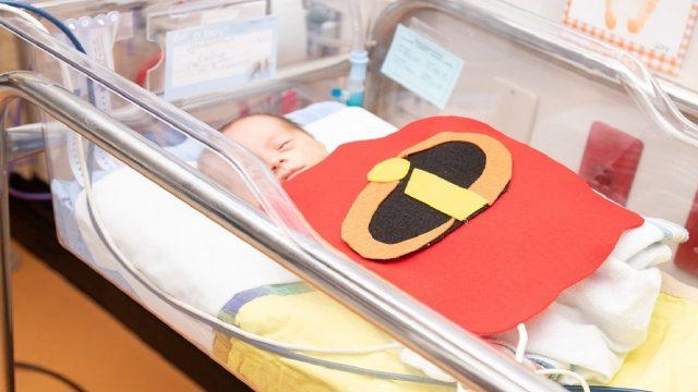 IMG_5341_1541021288005_13322493_ver1.0_1280_720 Orlando teen makes superhero capes for NICU babies' Halloween costumes