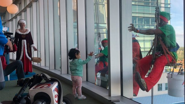 window_washing_Nemours_1545064054113_15812321_ver1.0_1280_720 Santa, elves bring holiday cheer, clean windows to Nemours Children's Hospital