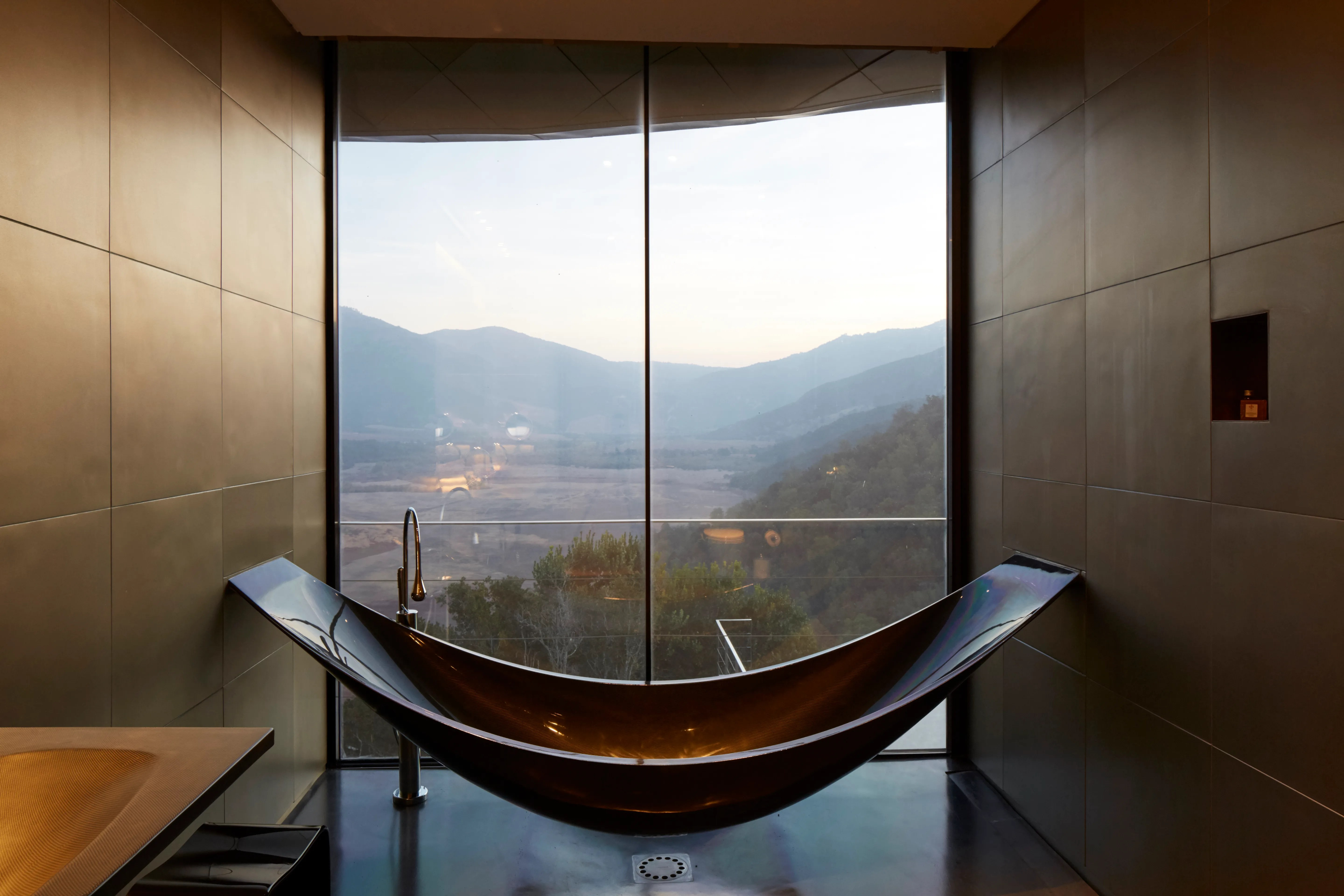 Why You Should Never Take Baths At Hotels Conde Nast Traveler