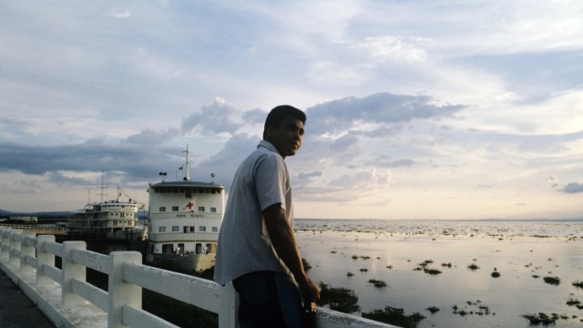 Muhammad Ali by the River Congo before the Rumble in the Jungle in Kinshasa Democratic Republic of Congo  in 1974