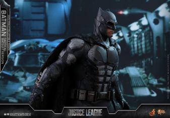 JL Tatctical Batman (16)