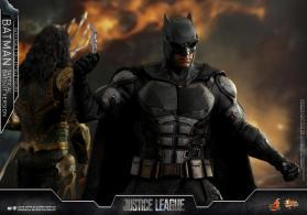 JL Tatctical Batman (19)