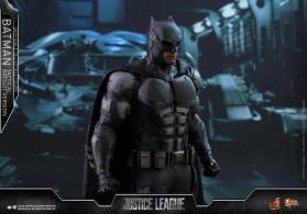 JL Tatctical Batman (23)