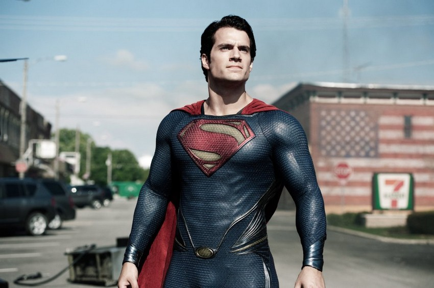 Henry Cavill in talks to be Superman once again... but not for a Man of Steel 2 4