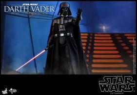 Hot Toys Darth Vader (2)