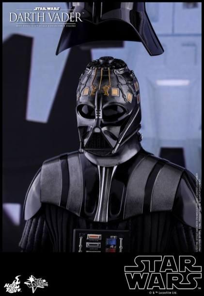 Hot Toys Darth Vader (6)