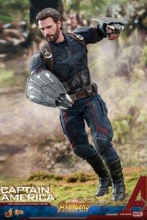 Hot Toys IW Captain America (3)