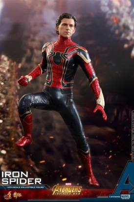 Hot Toys Iron Spider (23)