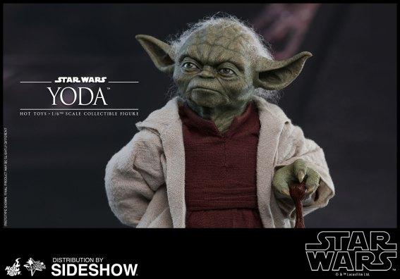 Yoda Hot Toys (4)